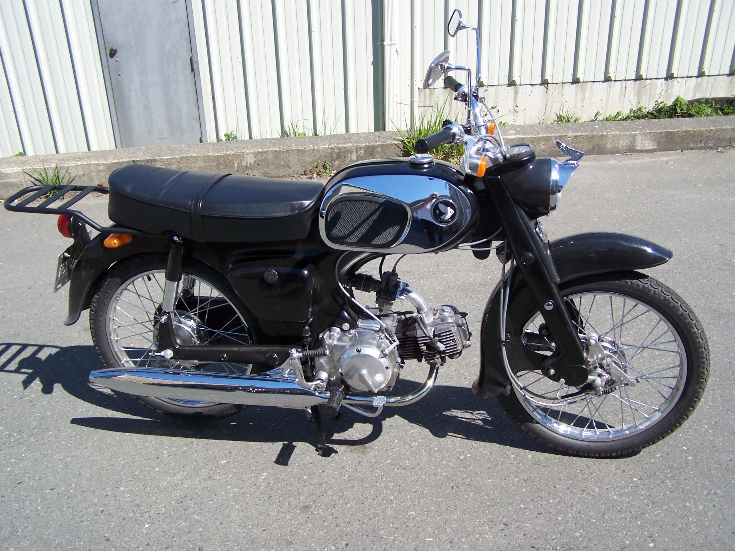 tammys-bike-jays-girlfriend-001